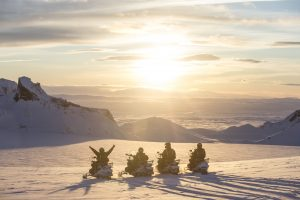 midnight sun snowmobile tour