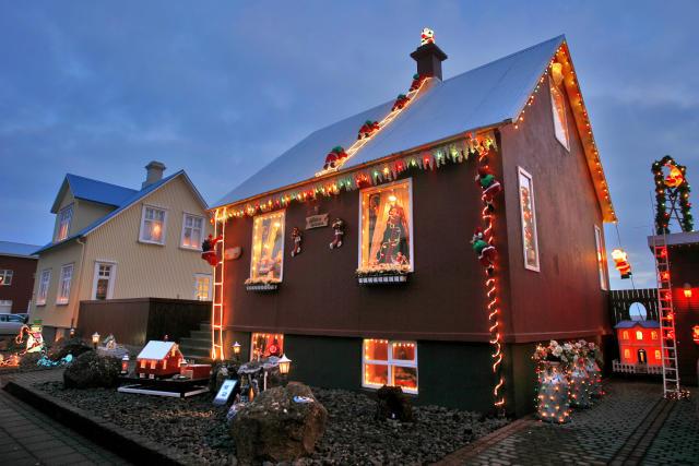 https://www.mbl.is/frettir/innlent/2009/12/11/jolaskreytingar_verdlaunadar_i_reykjanesbae/