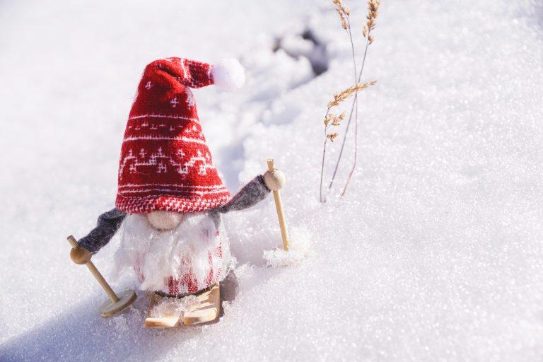 dwarf-gnome-on-snow-3151907