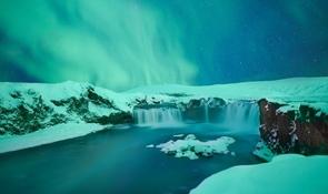 6 Days Around Iceland | Winter Minibus Tour