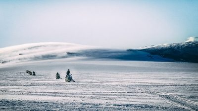 Snowmobile, Natural Ice Cave & Hot Spring​